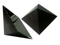 ピラミッド型ケース